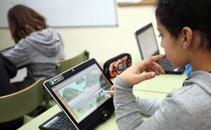 Educación distribuirá 9.600 tabletas y 500 paneles digitales en 88 centros públicos riojanos