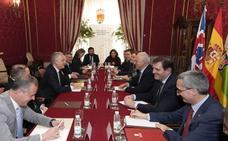 «Hay un riesgo de Brexit duro, sin acuerdo», dice el embajador del Reino Unido en Logroño