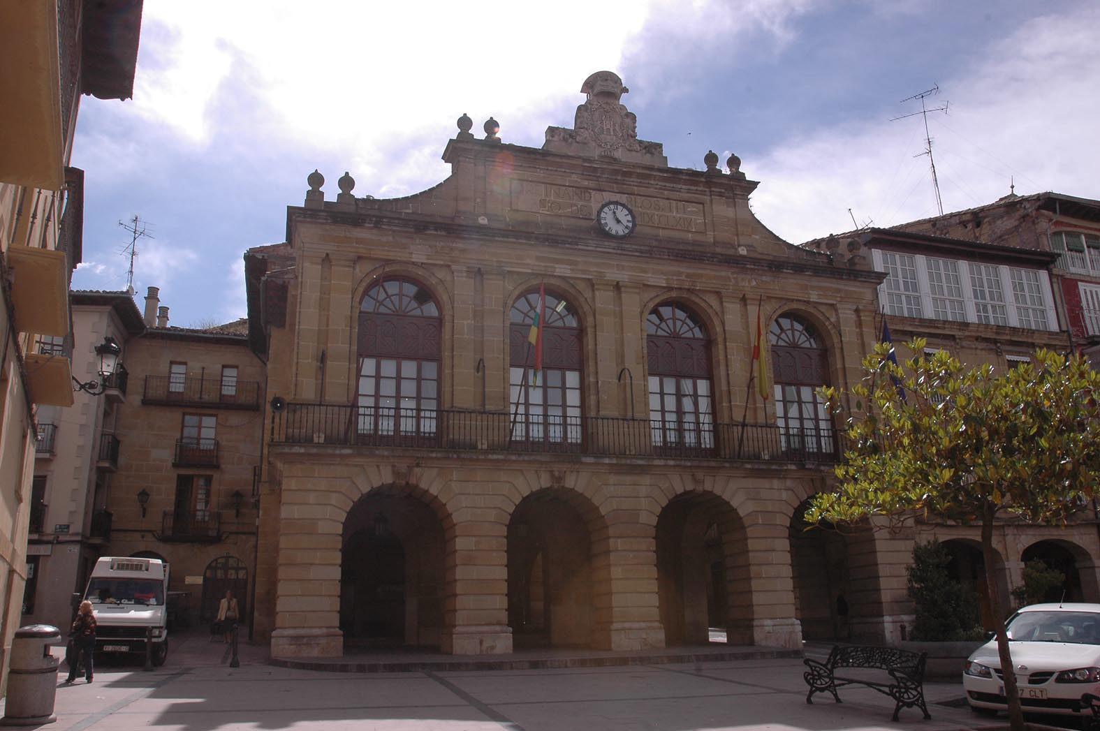 Seis personas optan a cubrir una plaza de interventor en el Ayuntamiento de Haro