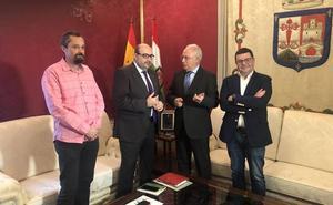 El presidente del CSIF transmite a Ceniceros su «preocupación» por el apoyo de UGT y CCOO al independentismo catalán