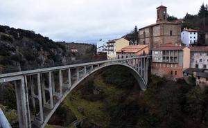 La 'lista roja' del patrimonio suma el viaducto de Ortigosa y el castillo de Davalillo