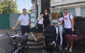 Exteriores busca soluciones para las familias de Kiev