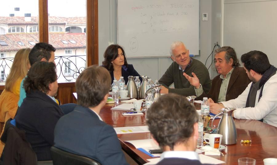Andreu y Hermoso de Mendoza piden que se escuche a los comerciantes
