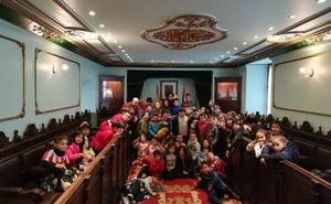 Alumnos del colegio San Felices visitan el Ayuntamiento de Haro