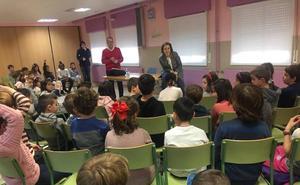 Los alumnos de Las Gaunas piden adaptar el plano de Logroño para niños e invidentes