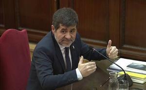 Sànchez comunicó a Trapero la presencia de «armas largas» de la Guardia Civil frente a la conselleria
