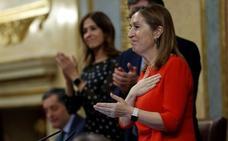 Pastor reivindica el «respeto» entre diputados en la despedida de la legislatura