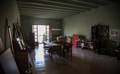 Dentro del convento 'okupado'