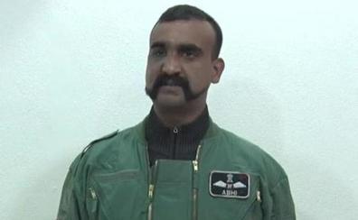 Pakistán devuelve al piloto apresado para rebajar la tensión con India