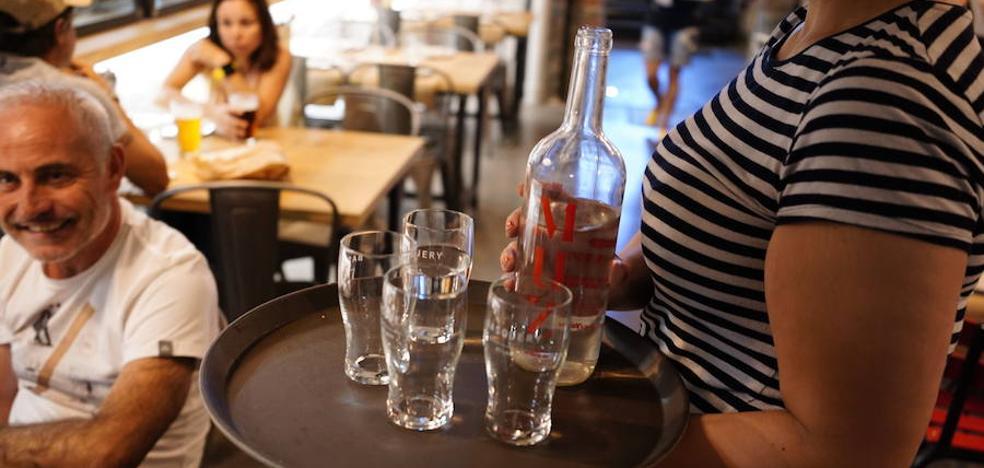 La UE promueve que bares y restaurantes ofrezcan agua del grifo gratis