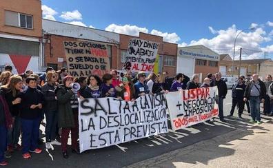 Los trabajadores de Talleres Lispar se movilizan en contra de la reducción de plantilla en 43 trabajadores y de los salarios