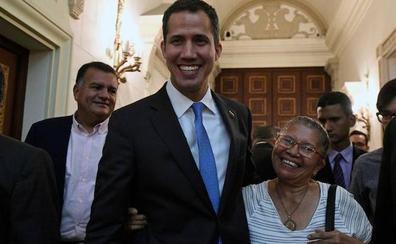 Guaidó decreta la «emergencia nacional» en Venezuela
