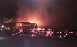 Un incendio calcina una casilla en el camino de Los Hermanos en Alfaro