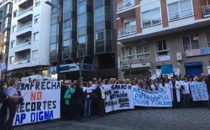 Un millar de personas clama por una Atención Primaria «digna»