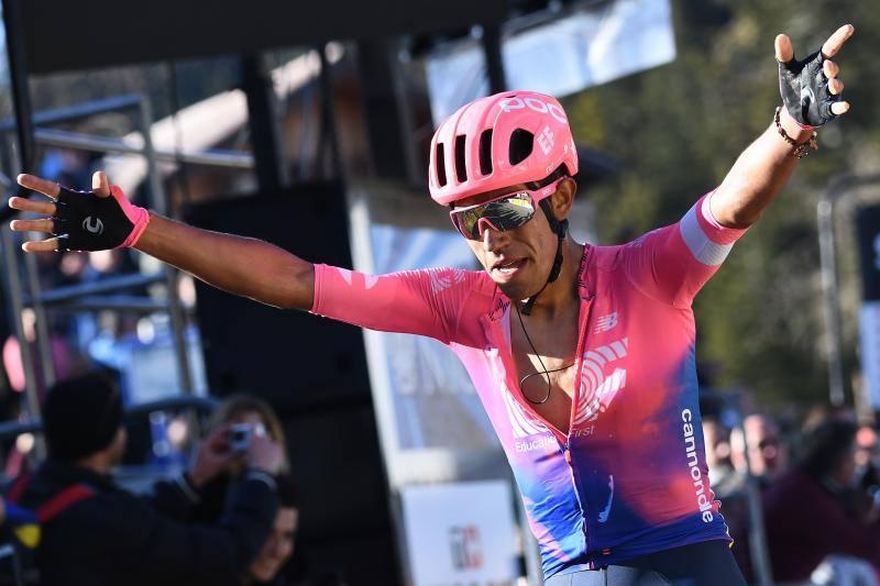 Martínez gana la etapa y Bernal se coloca líder