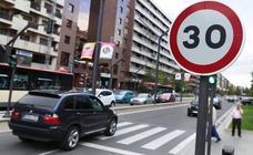 Todas las calles de sentido único, a 30 kilómetros por hora