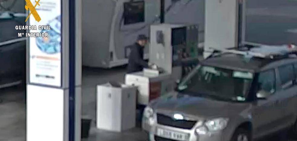 Detenido un hombre por robar con el método del 'pincha-ruedas' en la AP-68