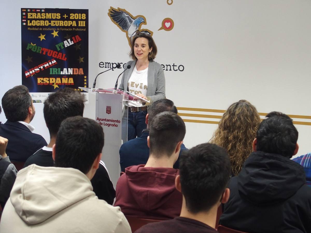 Gamarra anima a 35 jóvenes a aprovechar la experiencia «única» del Erasmus+