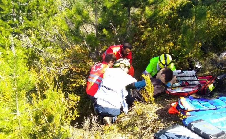 Rescatado en helicóptero un ciclista en Luezas