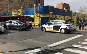 Colisión de dos coches en avenida de Madrid