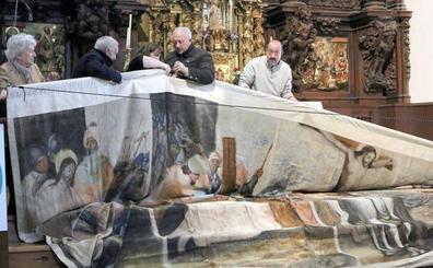 La ascensión al retablo mayor abre la VI Semana de La Sarga