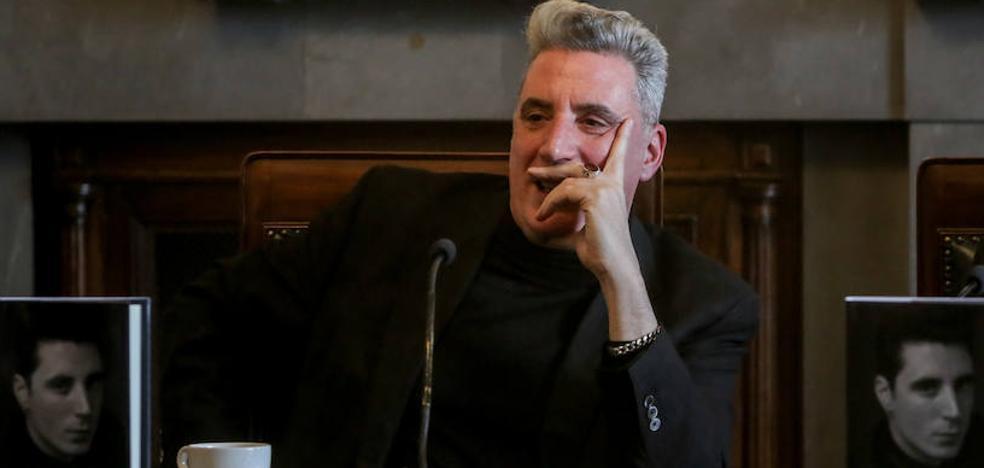 Loquillo cierra sus memorias noveladas desde la muerte de Franco