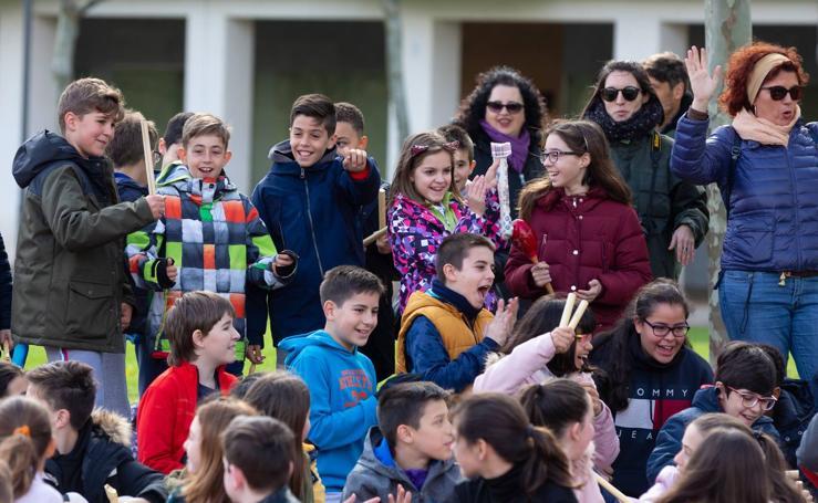 Escolares riojanos celebran Musiqueando en el parque San Miguel de Logroño