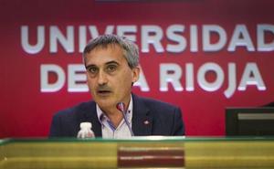 El rector de la UR pone en valor el papel de los doctores en la investigación