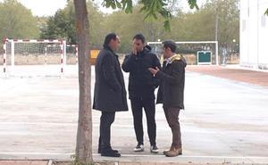 Improvisada tertulia entre Rodríguez, Lasheras y Guerreros