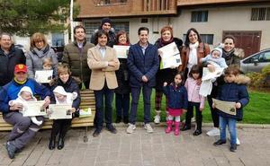 Cincuenta familias se suman al programa medioambiental 'Patrocina un árbol'