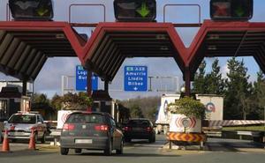 Los gobiernos central y vasco cierran la transferencia de la AP-68