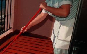 El 70% de las camareras de piso se automedica, según CCOO