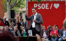 Sánchez agita el miedo a la llegada del PP entre los pensionistas