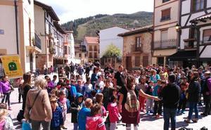Los escolares de Ezcaray se manifiestan por el medio ambiente