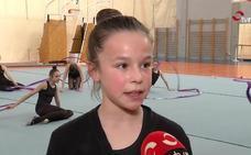 «Me gusta la gimnasia rítmica porque desarrollo mi flexibilidad»