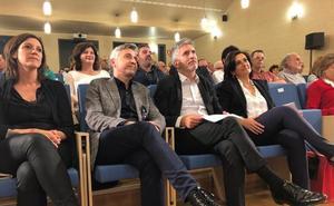 Grande-Marlaska traslada en Logroño un mensaje de «ilusión para el futuro» con un Gobierno de Sánchez