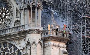 Macron promete reconstruir Notre Dame en cinco años