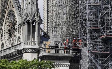 Los técnicos afrontan el reto de evitar derrumbes en Notre Dame