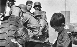 La Retina: los niños, en el Día de las Fuerzas Armadas