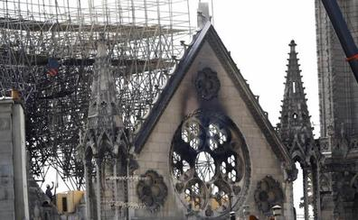 La Policía francesa investiga los montacargas de las obras de Notre Dame como posible causa del fuego