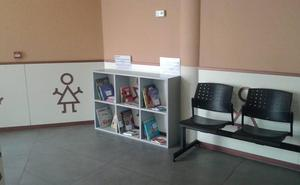 Pradejón pone en marcha un punto de lectura infantil en Pediatría en el consultorio médico