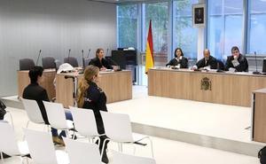 El hijo juzgado por maltratar a sus padres acepta 4 años de cárcel