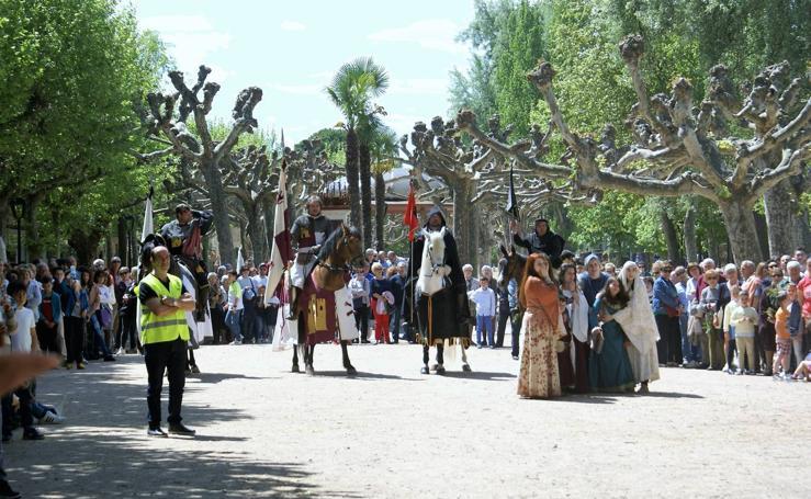 Pregón del Primero de mayo y la aclamación de Fernando III el Santo en Nájera