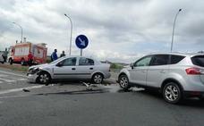 Dos coches colisionan en el peaje de Haro