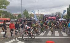 La salida de la segunda etapa de La Rioja Bike Race