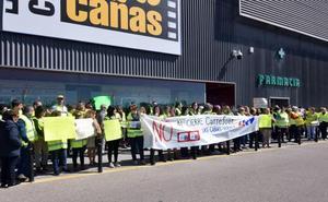 Carrefour llega a un acuerdo con los trabajadores para el cierre del híper de Las Cañas