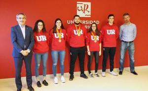 Medallistas y universitarios