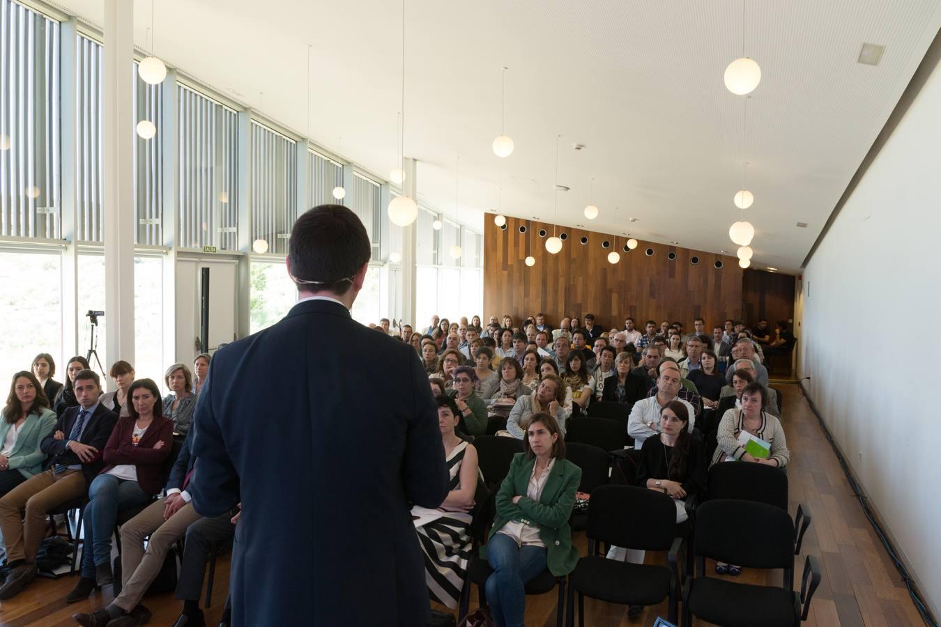 Una jornada técnica sobre los cambios en el sector vitivinícola reúne a más de 160 asistentes