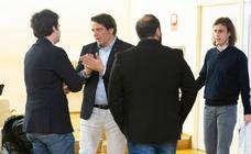 Los corrillos, los gestos...del último pleno de esta legislatura en Logroño