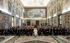 El Papa pide a la prensa extranjera que trabaje «según la verdad y la justicia»